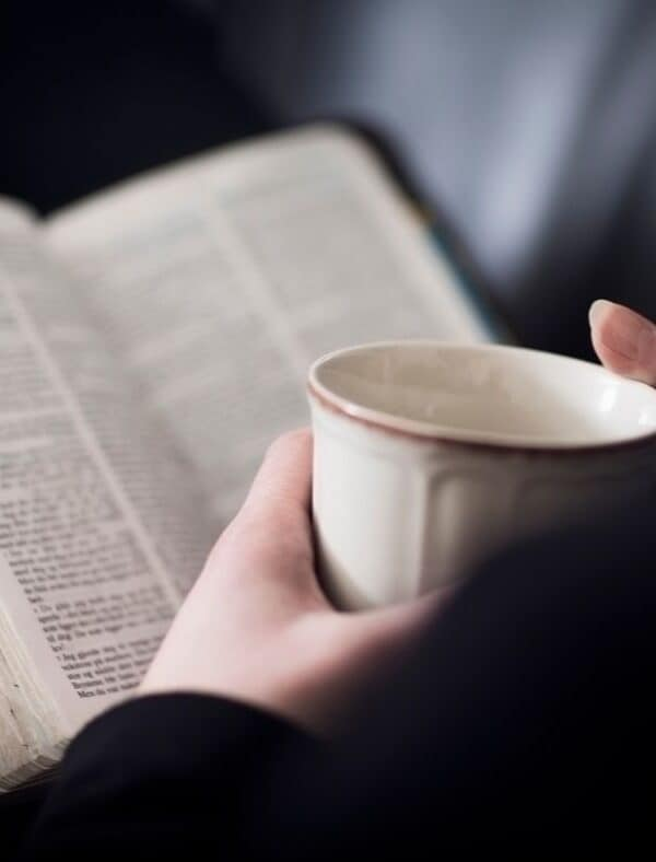 How To Study The Bible : 8 Bible Study Methods To Try