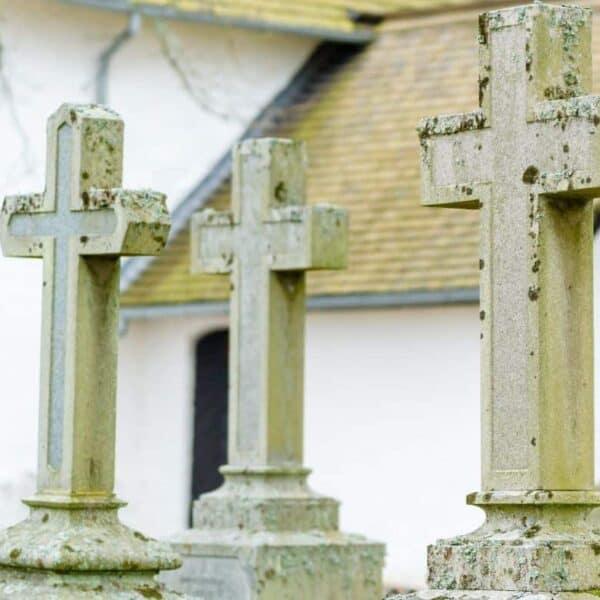 picture of cross tombstones